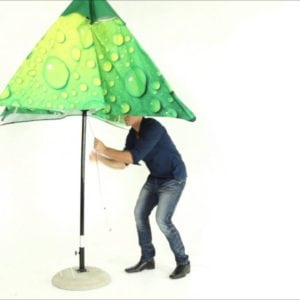 setting up umbrella